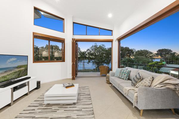 Riverfront Penthouse with sensational views