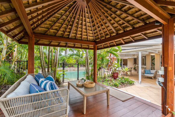 Tropical oasis in prestigious Noosa Waters