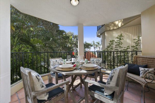Sunshine Beach Apartment: Holiday, or Live the Dream.